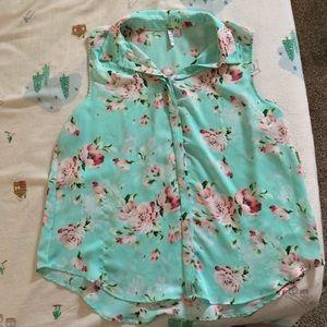 EUC Elle sleeveless blouse